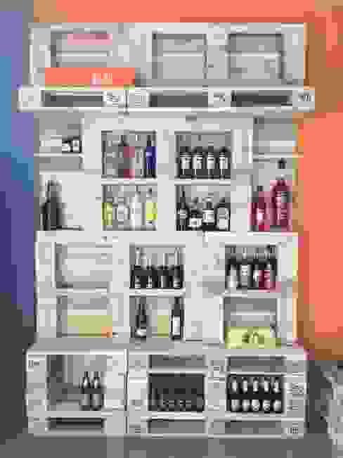 Ufficio magazzino vini: Negozi & Locali commerciali in stile  di Architetto Milena De Fontis, Classico