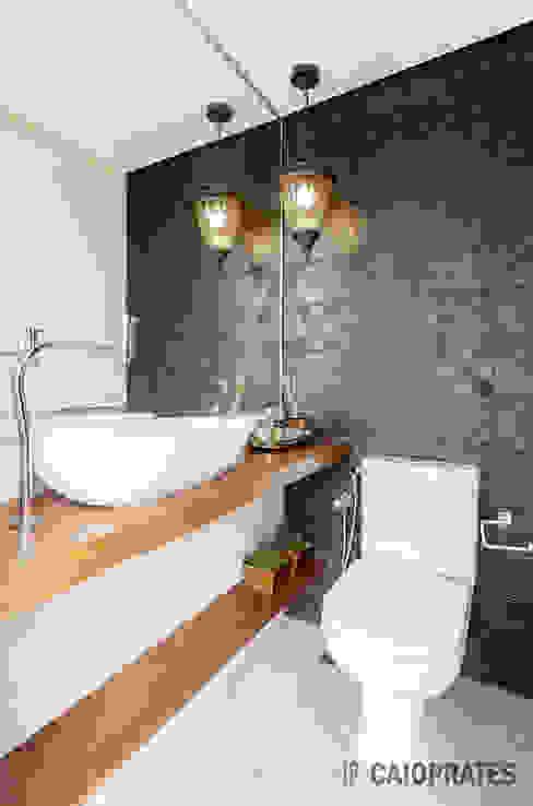 浴室 by Caio Prates Arquitetura e Design, 田園風 陶器