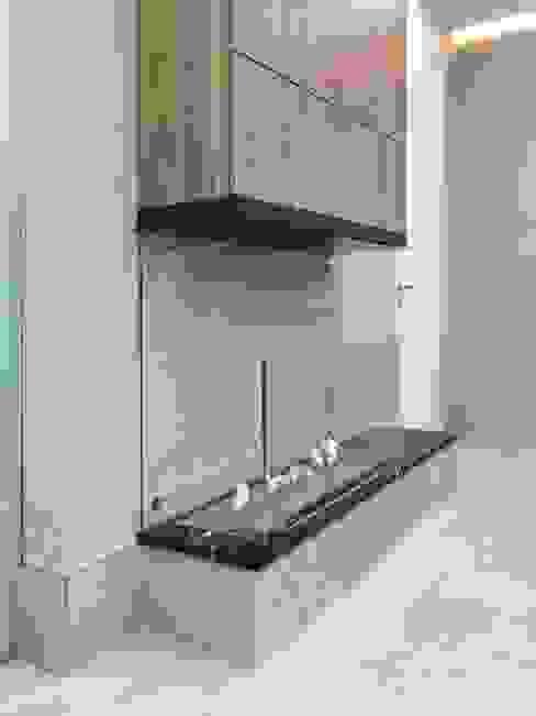 Salones de estilo minimalista de Planika. Intelligent Fire Minimalista