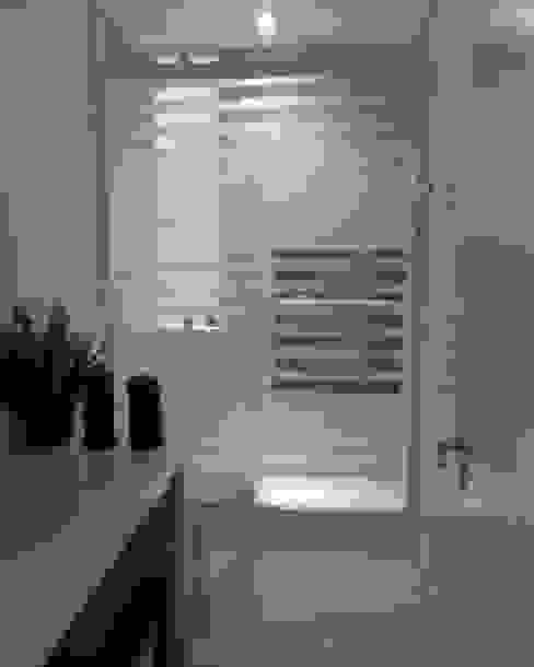 Banheiro social. HL Arquitetura & Design Banheiros clássicos
