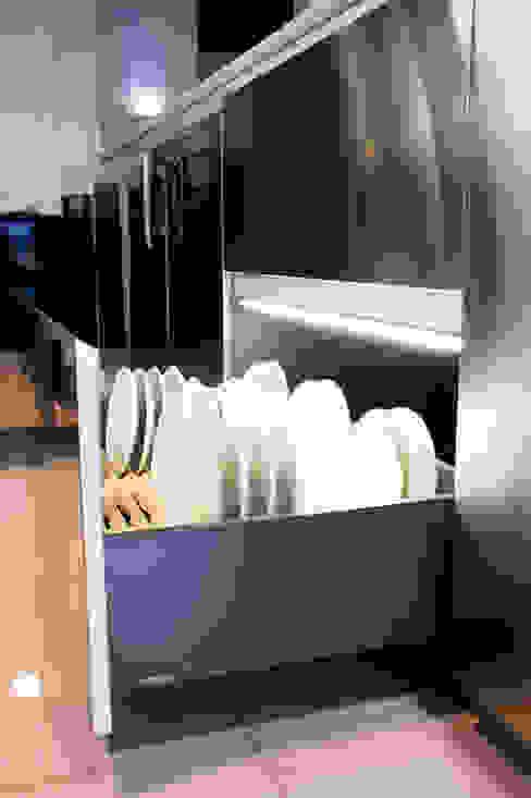 ACCESORIOS PARA PLATOS Cocinas modernas de homify Moderno