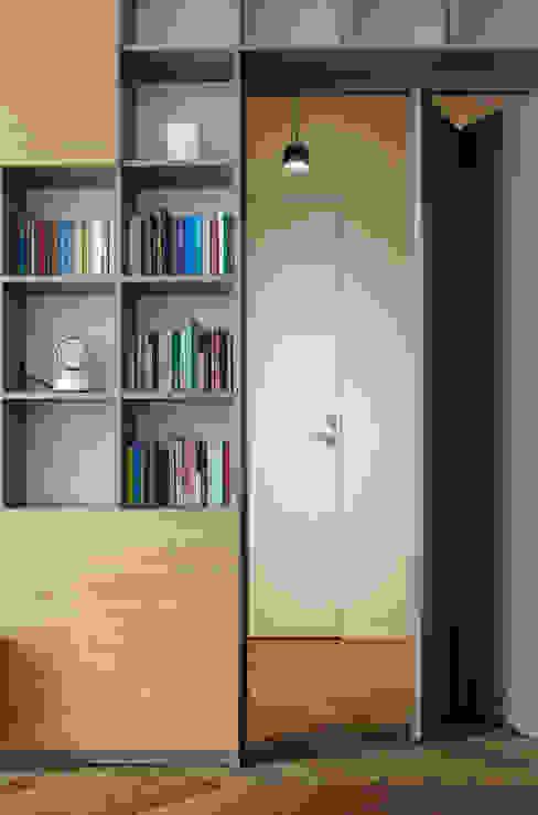 Modern corridor, hallway & stairs by disegnoinopera Modern