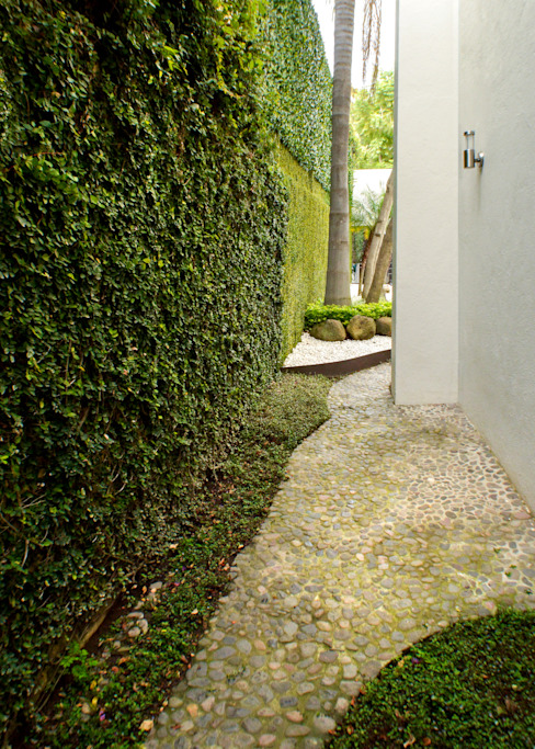 Jardines de estilo moderno de GHT EcoArquitectos Moderno