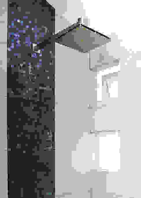 Remodelación Casa-Habitación 850m2 GHT EcoArquitectos Baños modernos Azulejos