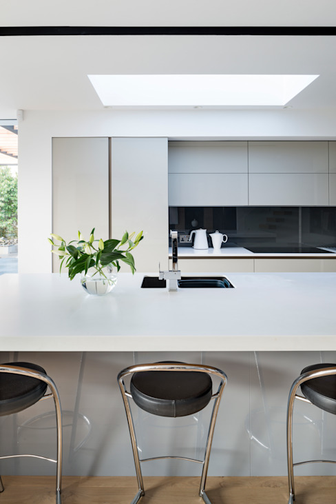 Kitchen by Barc Architects,