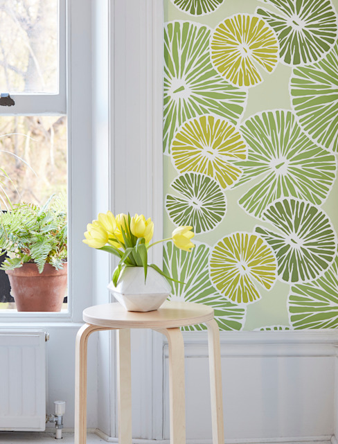 Pond Life Cheerful Spring Green Lilypad Wallpaper de Interiors by Element Ecléctico
