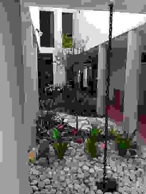 TARTE LANDSCAPES Jardines de estilo moderno