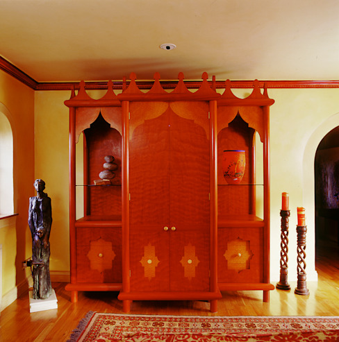 Moroccan Style Hi-fi Cupboard designed and made by Tim Wood de Tim Wood Limited Ecléctico Madera Acabado en madera