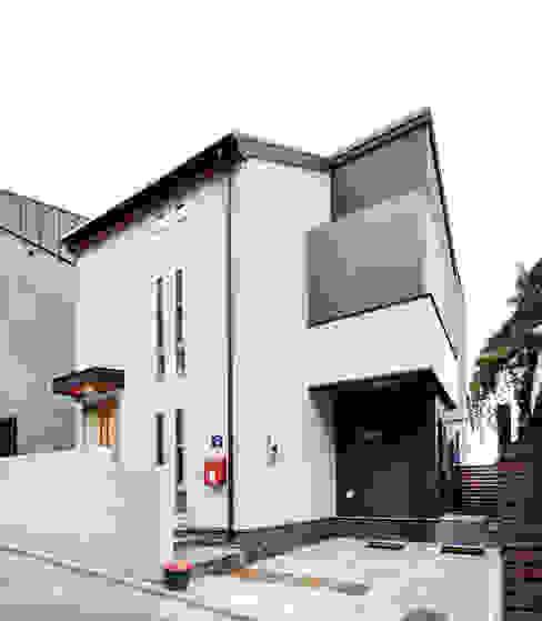 Rumah oleh homify Modern