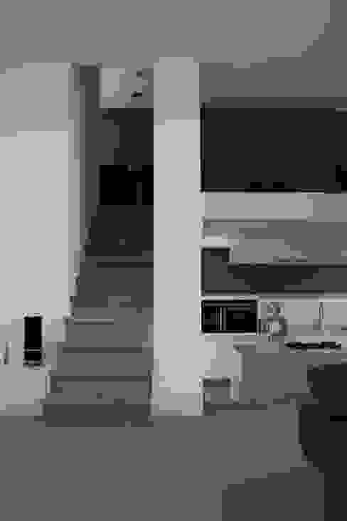 Hoekwoning Boddenkamp Enschede Moderne woonkamers van Architectenbureau Jules Zwijsen Modern