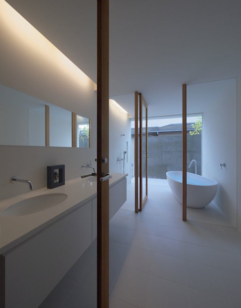 Badezimmer von 森裕建築設計事務所 / Mori Architect Office, Modern