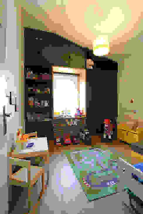 Country Side Villa Renovation Orkun Indere Interiors Modern nursery/kids room Wood Green