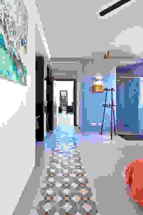 Single family house in Moscari Modern Corridor, Hallway and Staircase by Tono Vila Architecture & Design Modern