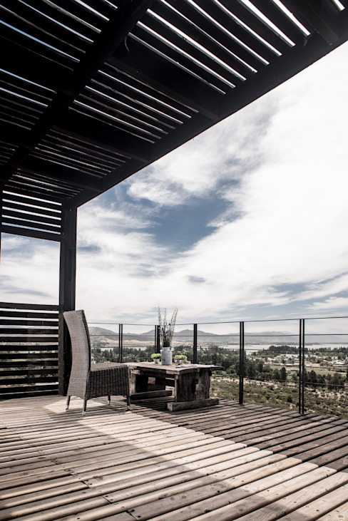Terrace by B+V Arquitectos, Modern Wood Wood effect