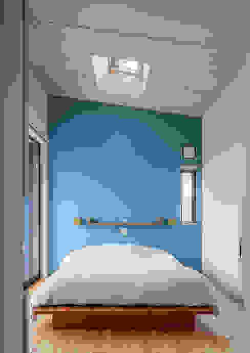 株式会社リオタデザイン Eclectic style bedroom