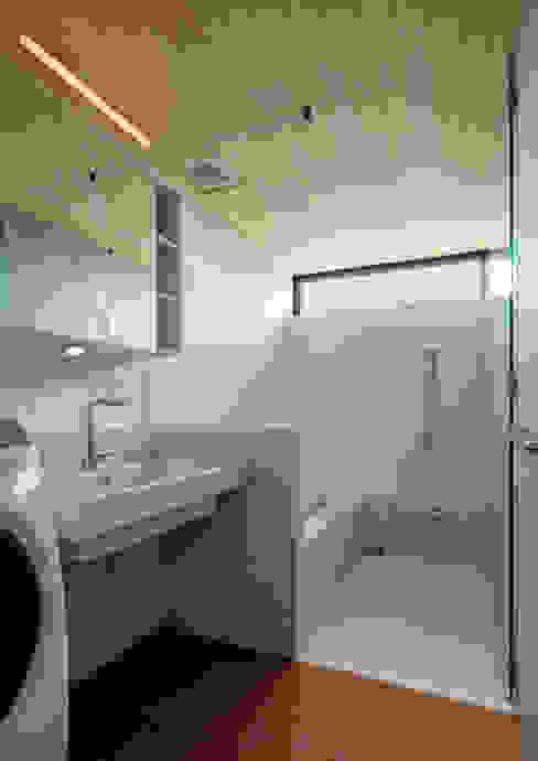 株式会社リオタデザイン Modern bathroom