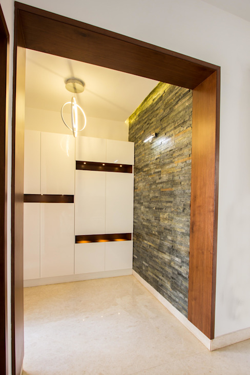 Villa Project @ Whitefield Bangalore In Built Concepts is now FABDIZ Classic style corridor, hallway and stairs Plywood White
