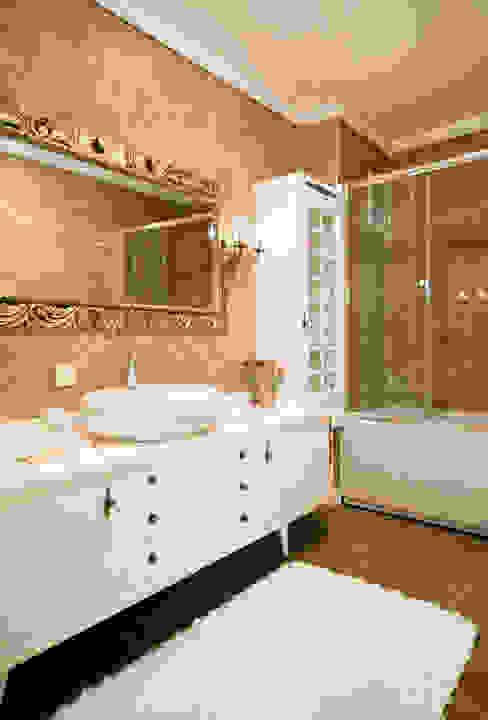 Classic style bathroom by Öykü İç Mimarlık Classic