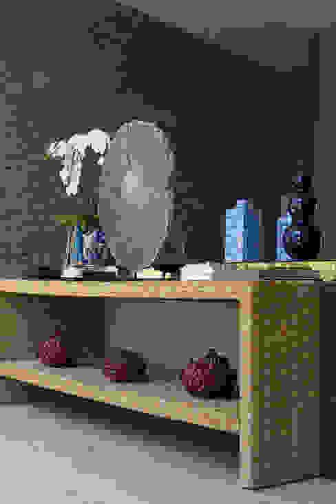 حديث  تنفيذ Viviane Bertolini Designer de Interiores , حداثي