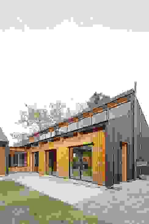 Patio GAALGO Arquitectos Casas estilo moderno: ideas, arquitectura e imágenes