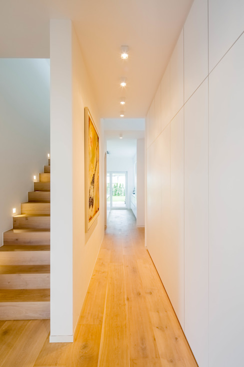 Moderne gangen, hallen & trappenhuizen van Ferreira | Verfürth Architekten Modern