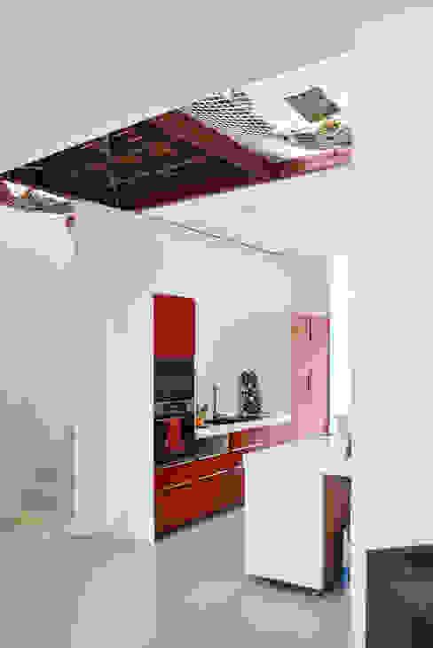 Energieneutrale woning Buiksloterham Moderne keukens van CUBE architecten Modern