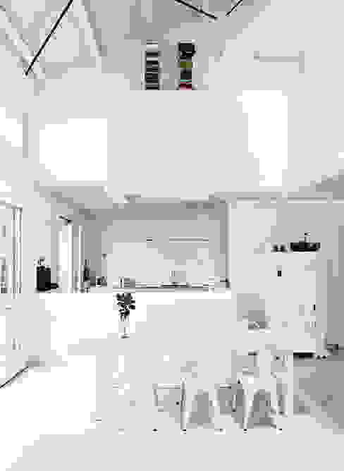 Comedores de estilo escandinavo de Design for Love Escandinavo