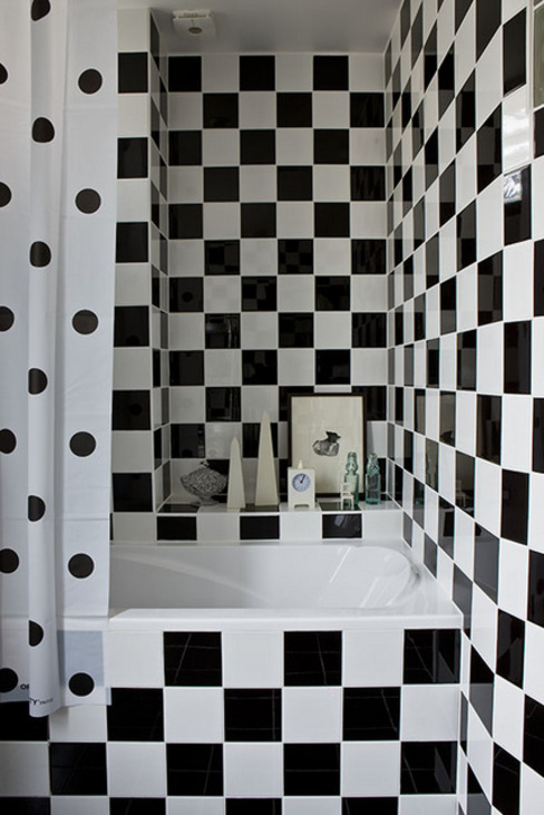 Douche Black & White: classic  by Artisan Partenaire, Classic Ceramic