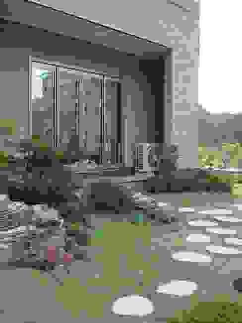 Casas de estilo  por 台日國際住宅股份有限公司,