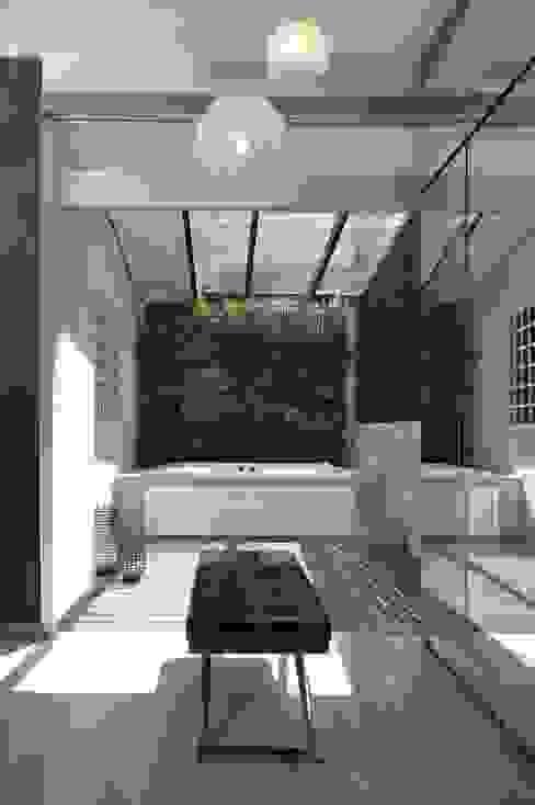 Terraza interna. JardinVertical Balcones y terrazas de estilo moderno de Arq Renny Molina Moderno