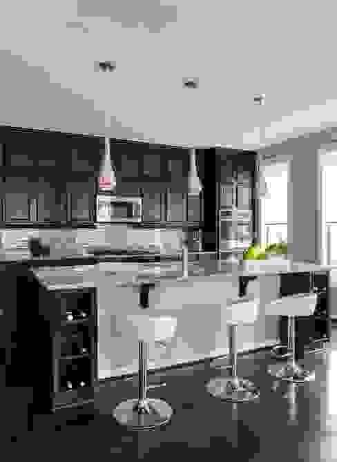 Viva Vogue - Kitchen Modern Kitchen by Lorna Gross Interior Design Modern