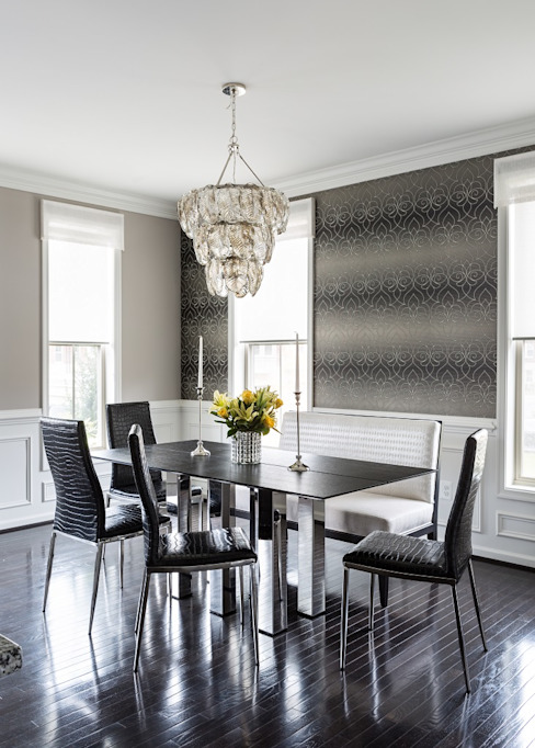 Viva Vogue - Dining Room:  Dining room by Lorna Gross Interior Design,
