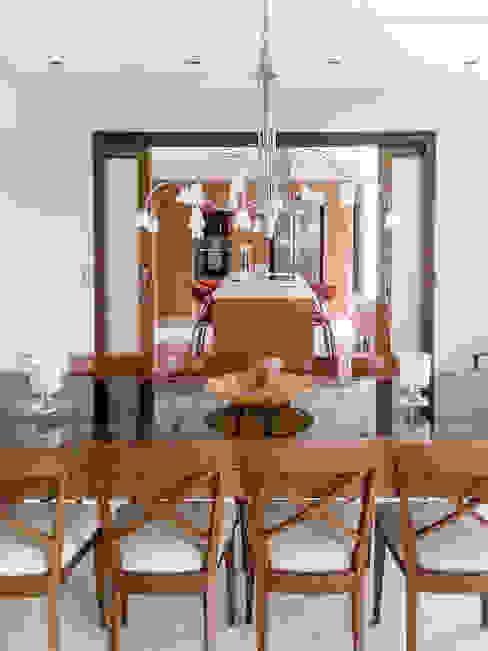 Modern Dining Room by id:arq Modern