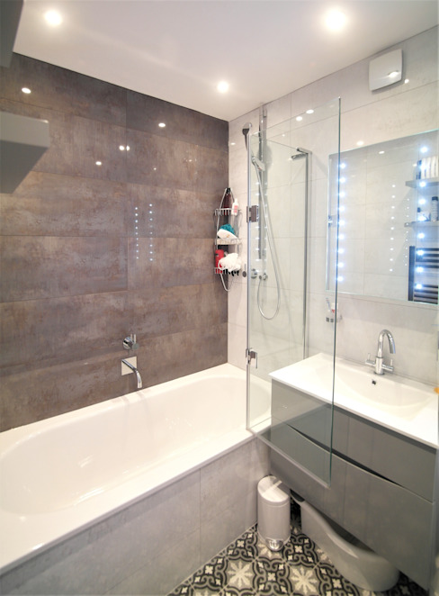 Twickenham Modern bathroom by Patience Designs Modern