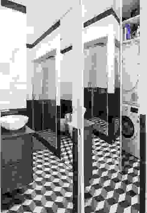 Salle de bains de style  par THSC, Minimaliste