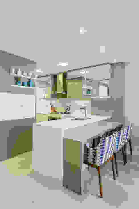 Kitchen by Juliana Agner Arquitetura e Interiores, Modern
