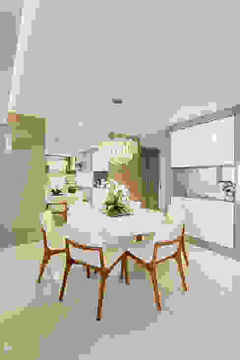 Dining room by Juliana Agner Arquitetura e Interiores, Modern