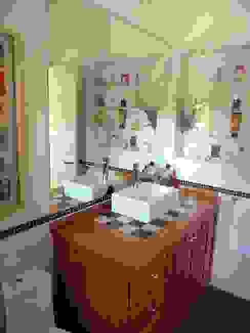 Casa MW Moreno Wellmann Arquitectos Baños de estilo clásico