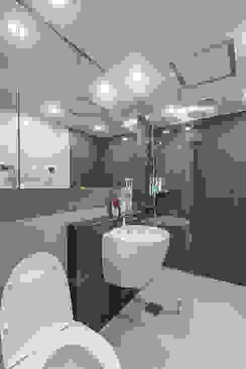Modern Bathroom by ARA Modern