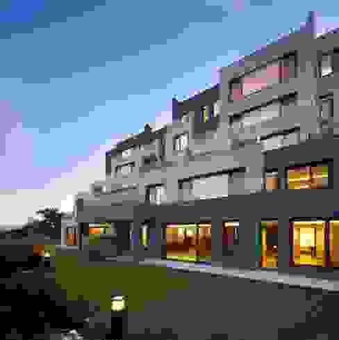 서로 아키텍츠 Maisons modernes