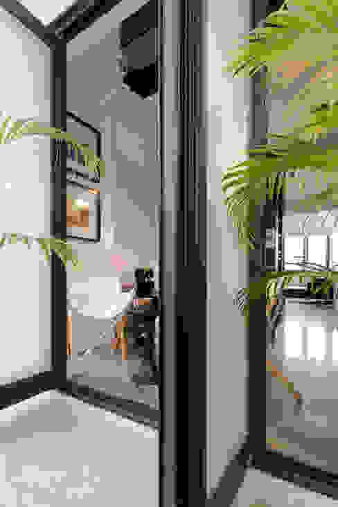 NATURALLY Modern Study Room and Home Office by 璞碩室內裝修設計工程有限公司 Modern Tiles