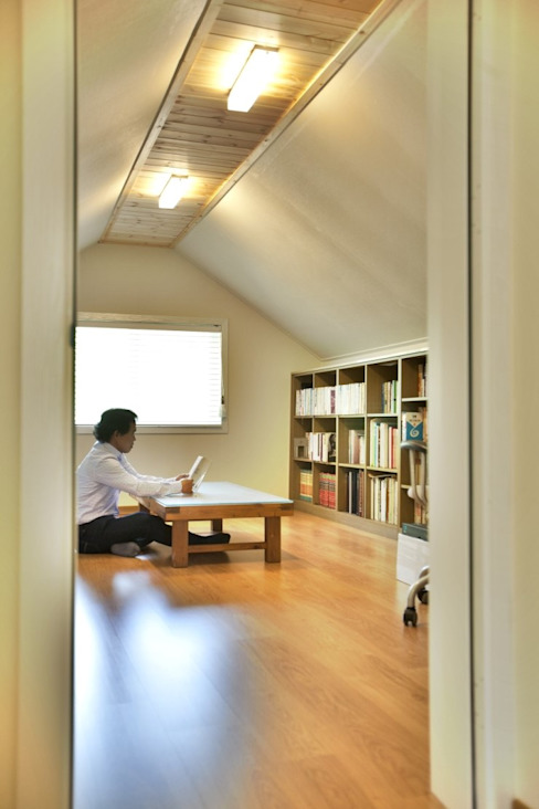 Study/office by Goodhaus, Modern
