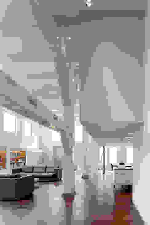 Pakhuis Amsterdam, complete verbouwing Moderne woonkamers van VASD interieur & architectuur Modern