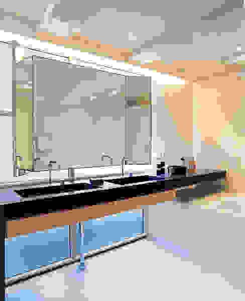 Pakhuis, Amsterdam Moderne badkamers van VASD interieur & architectuur Modern