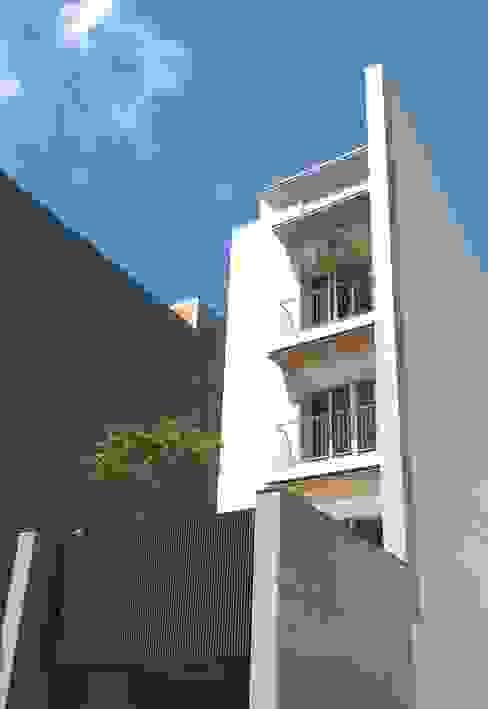 Maisons modernes par 兆博建築 Moderne