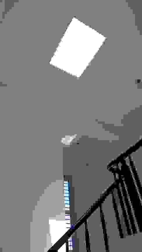 兆博建築 Modern Corridor, Hallway and Staircase