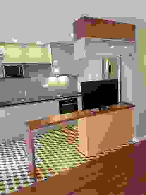 Perspectiva Cozinhas modernas por Alma Braguesa Furniture Moderno