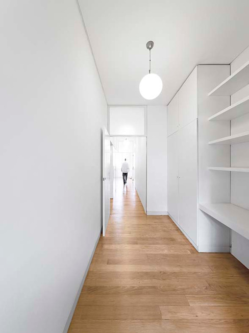 Tiago Filipe Santos - Arquitetura Studio minimalista Bianco