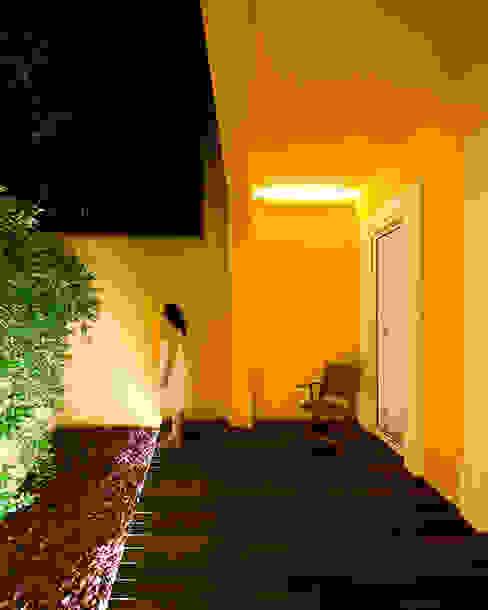 Tiago Filipe Santos - Arquitetura Giardino minimalista Giallo