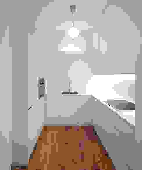 مطبخ تنفيذ Tiago Filipe Santos - Arquitetura , تبسيطي